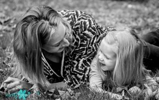moeder en dochter blij