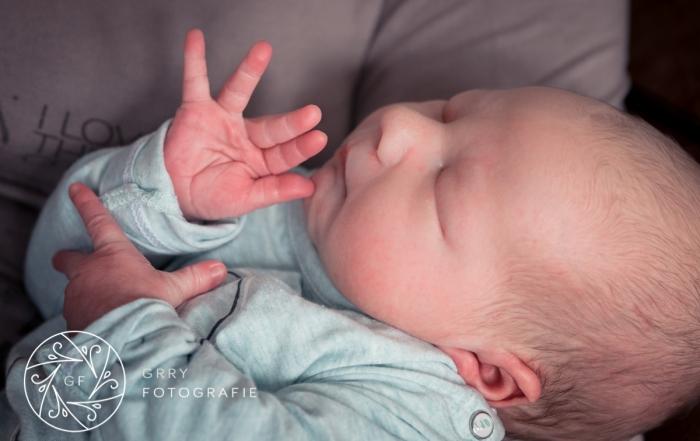 ongedwongen newborn fotoshoot|slapend