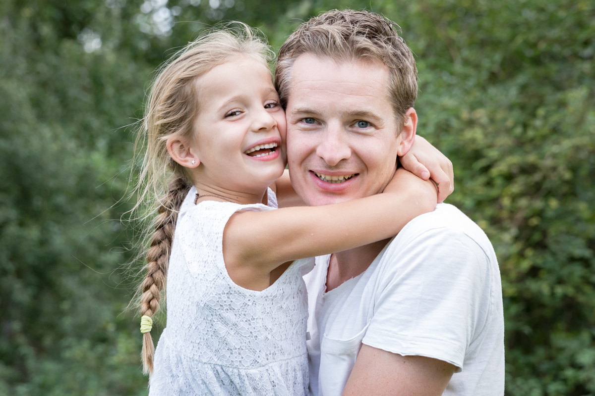 vader en dochter | omhelzing